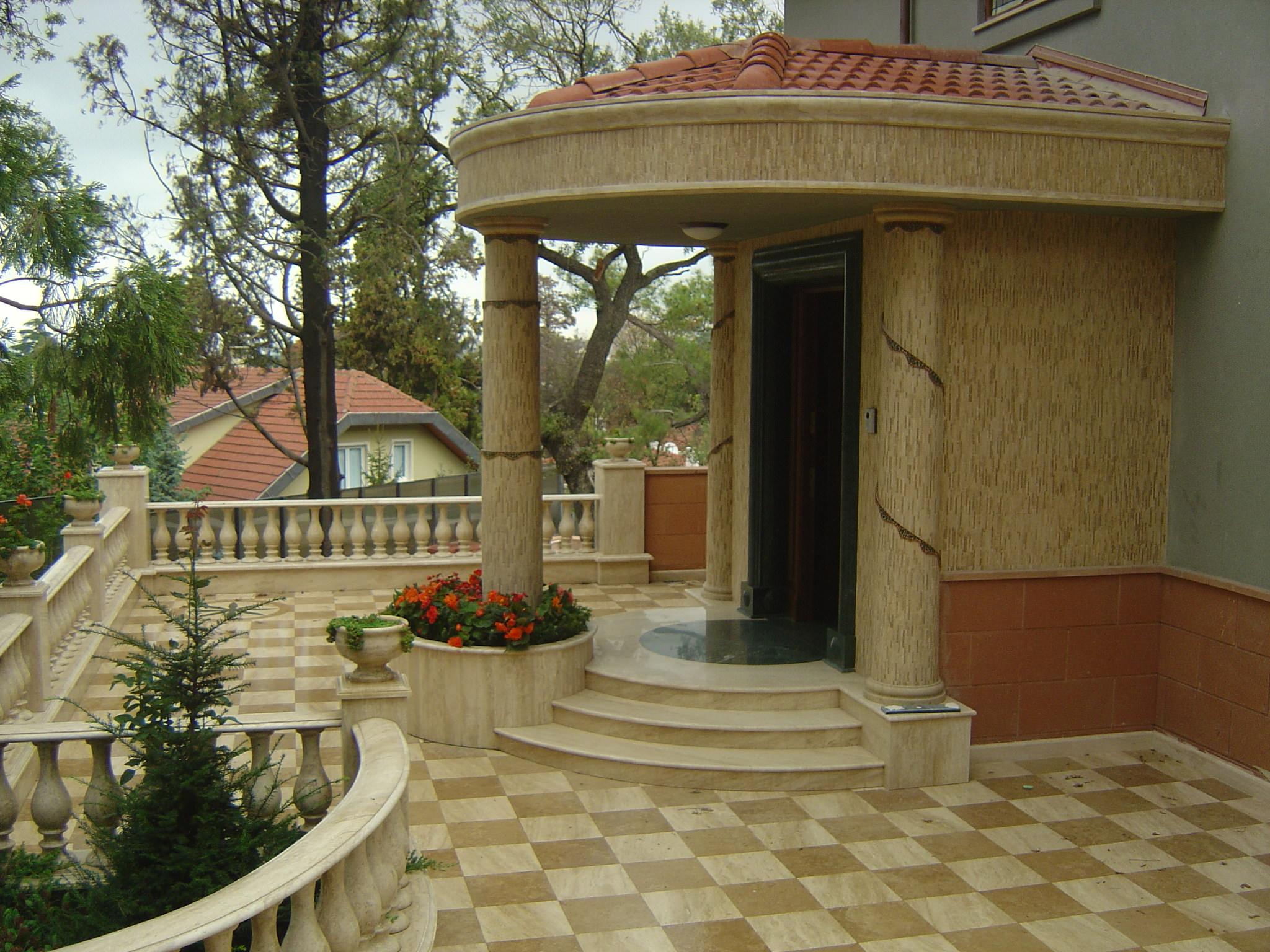 Villa Girişi